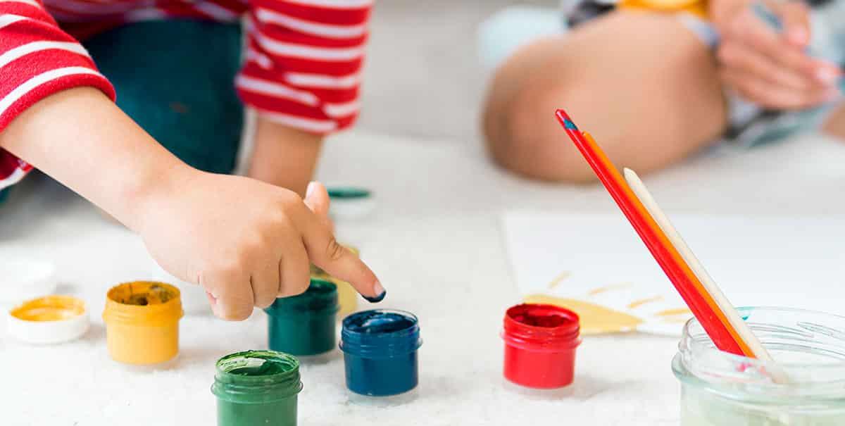 free school holiday activities - kids painting