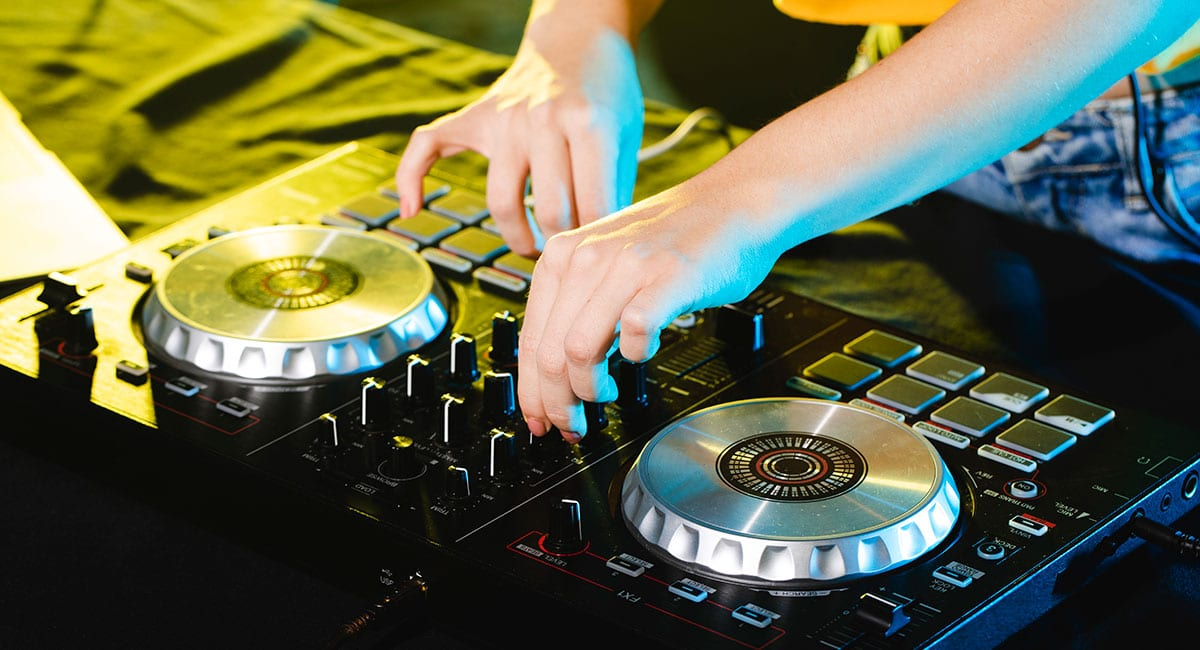 DJ party in the park