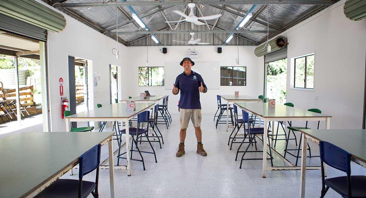 Farmer-Jeff-in-new-Flinders-Farm-school-classroom