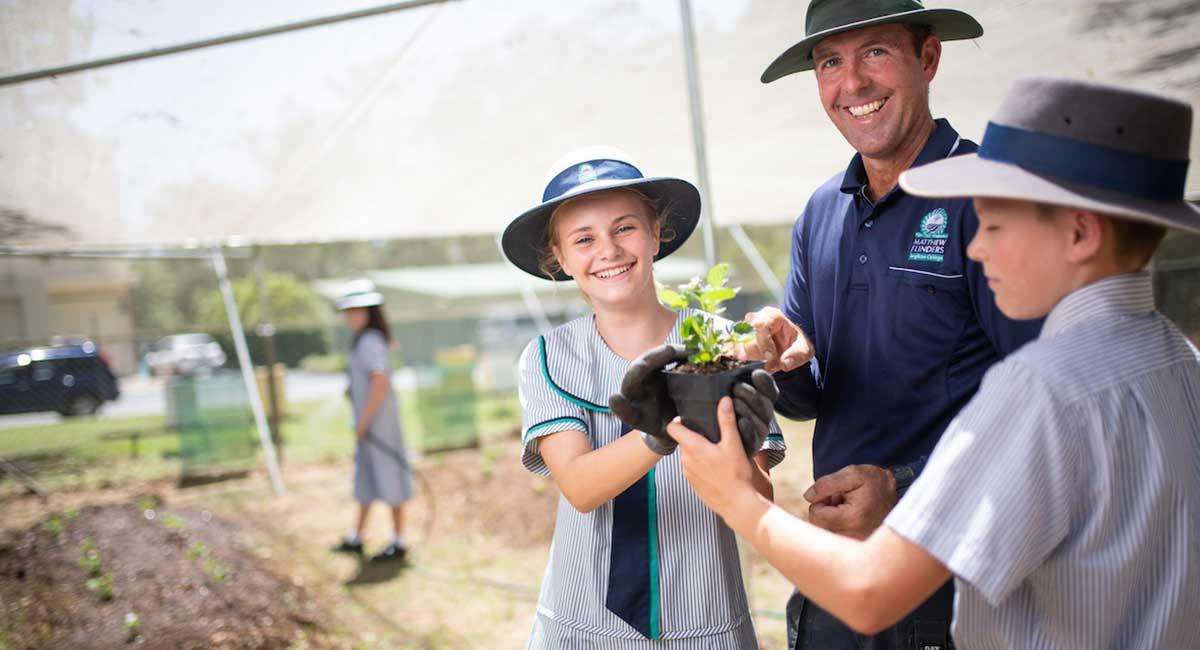 Flinders-Farm-school-Jeff